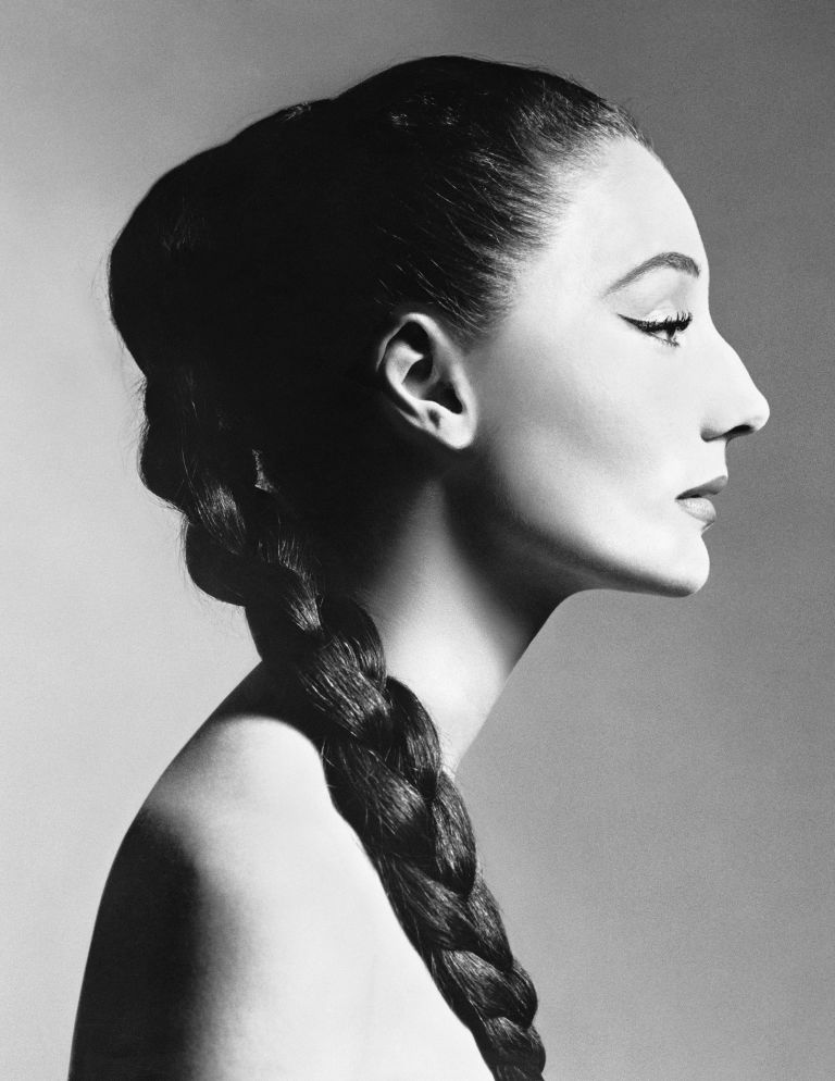 Vicomtesse Jacqueline de Ribes, hair by Kenneth, New York, December 14, 1955 Richard Avedon
