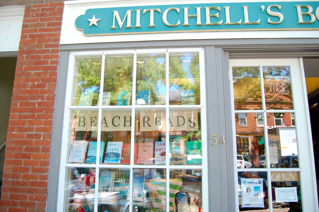 first comes love, emily giffin, mitchell's book corner, mitchell's bookstore, beach bookstore